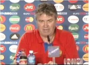 Guus Hidink press conference Netherlands vs Russia